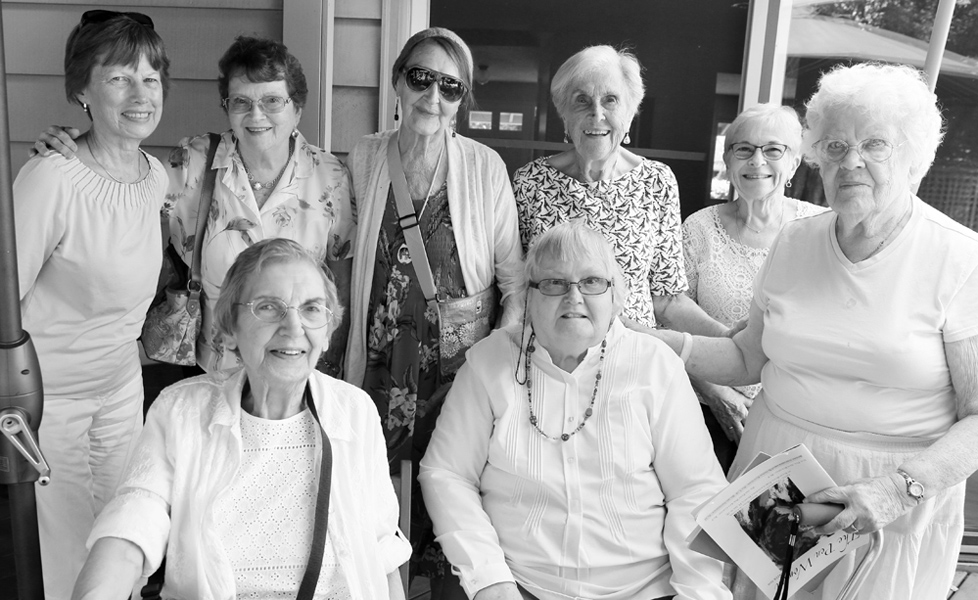 Members and guests at the Portland August luncheon. Back row: Anne, Doreen, Annette, Roberta, Laura. Front row: Barbara, Linda, and Jane.