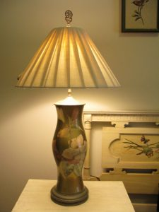 Polly Dages art, lamp